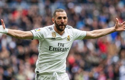 Ditinggal Ronaldo, Benzema Unjuk Gigi di Real Madrid https://bolalob.com/read/113276/ditinggal-ronaldo-benzema-unjuk-gigi-di-real-madrid …