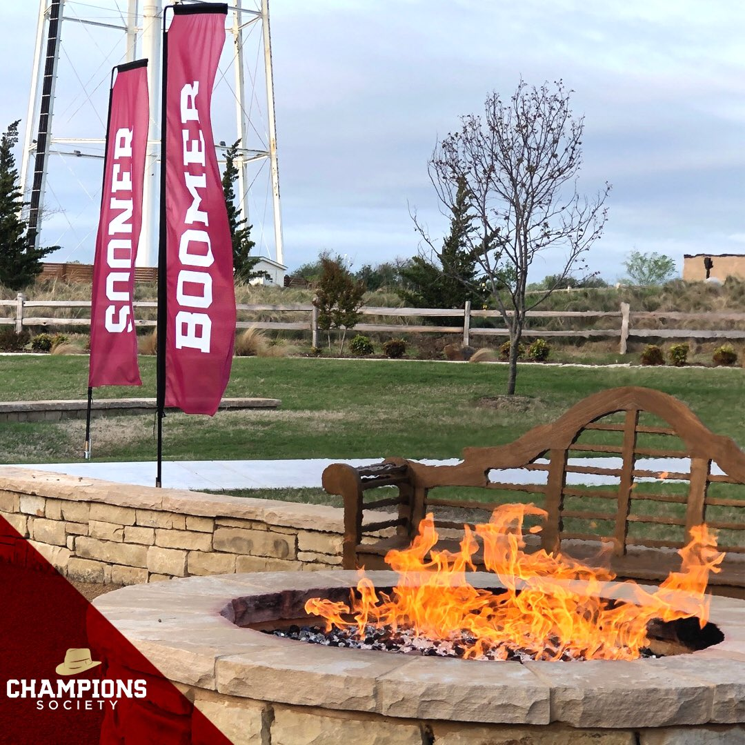 Excited to welcome members of our Champions Society to the @OUGolfClub for the 2019 Champions Society Golf Scramble! ⛳️