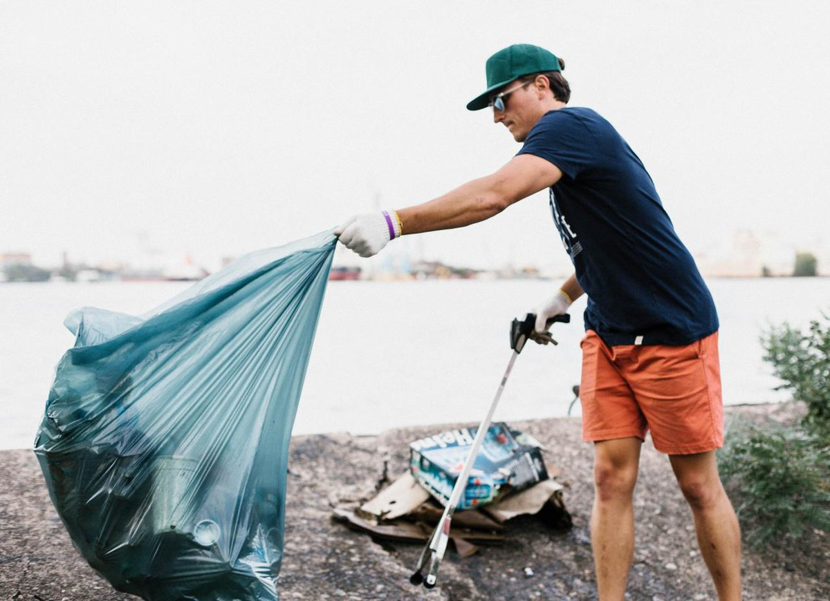 We're on our way this #EarthDay to removing 75,000 pounds of trash from the world's oceans and waterways, thanks to all these amazing peeps who've pitched in. You can join us too: http://bit.ly/2TXqp5A