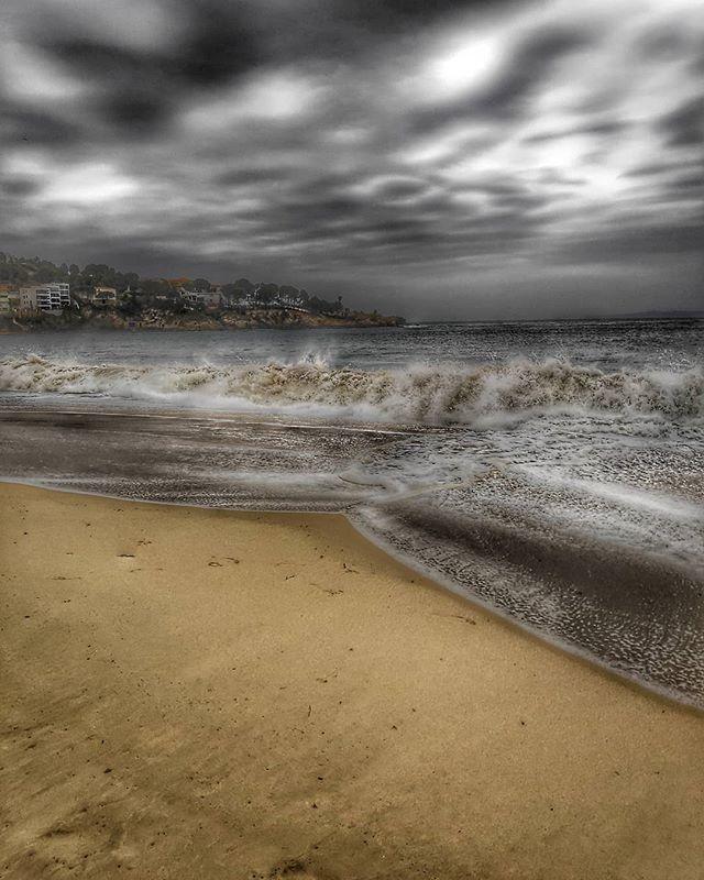 #almadraba #roses #costabrava #deprobesambelmobil #pocophonef1 #poco #f1 #notbadatall #tempesta #ones #mar #sea #mediterrani #love #like #beach #great #relax http://bit.ly/2UMTMbW