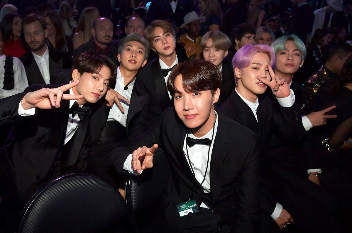 What&#39;s your favourite look on your bias?   For me the glow they boys had the Grammys was superior over any other look. Lol I don&#39;t have a bias btw   #BBMAsTopSocial BTS @BTS_twt<br>http://pic.twitter.com/lHS56fZcV8
