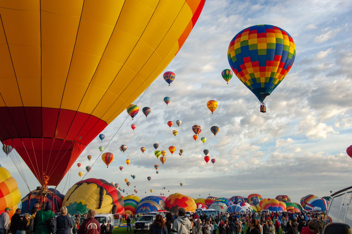 🎈This is how Albuquerque, New Mexico pictures earth during #BalloonFiesta in October #PictureEarth 📍Where on Earth do you live? How do you picture earth? Share with us your best photos by using #PictureEarth 📷 📷Credit: NASA/Tony Landis