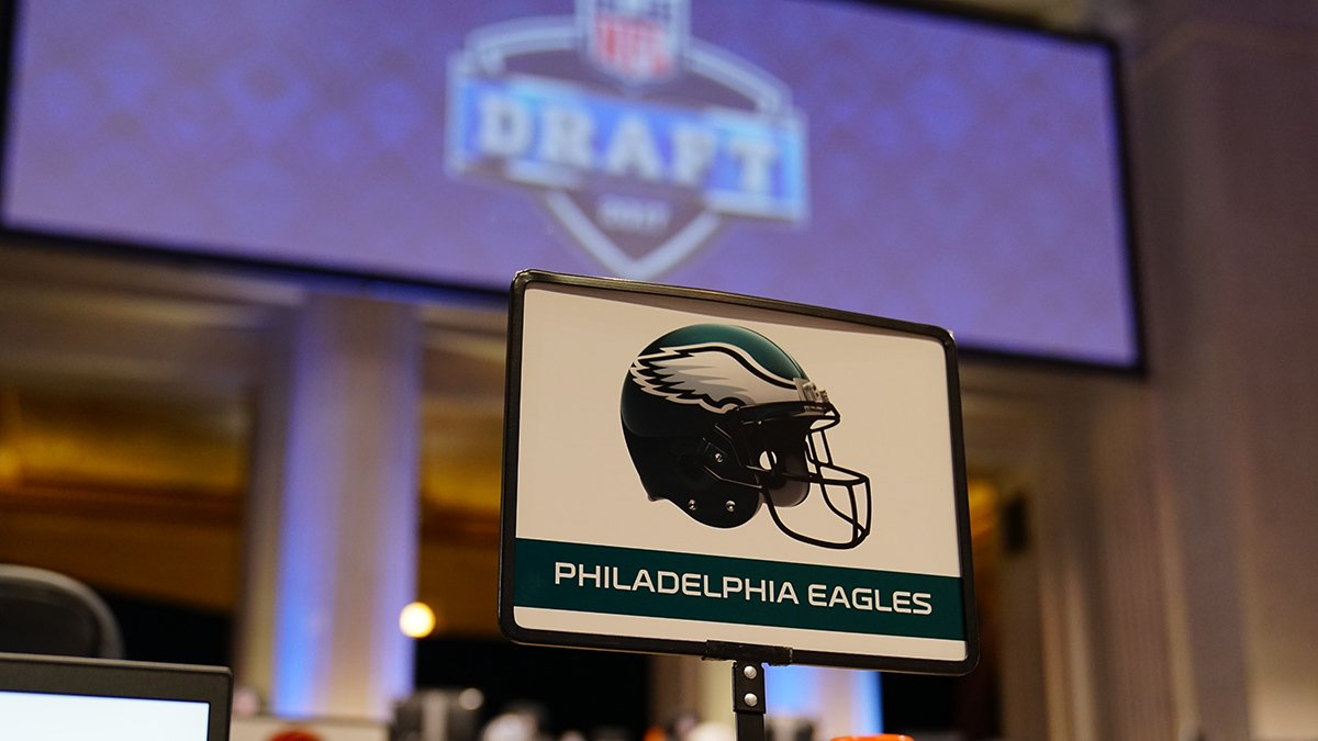 Kick off your Monday with a look ahead at the biggest week of the offseason from @EaglesInsider   :  http:// bit.ly/2Zt7vDq  &nbsp;    #FlyEaglesFly <br>http://pic.twitter.com/voDuUSrm11