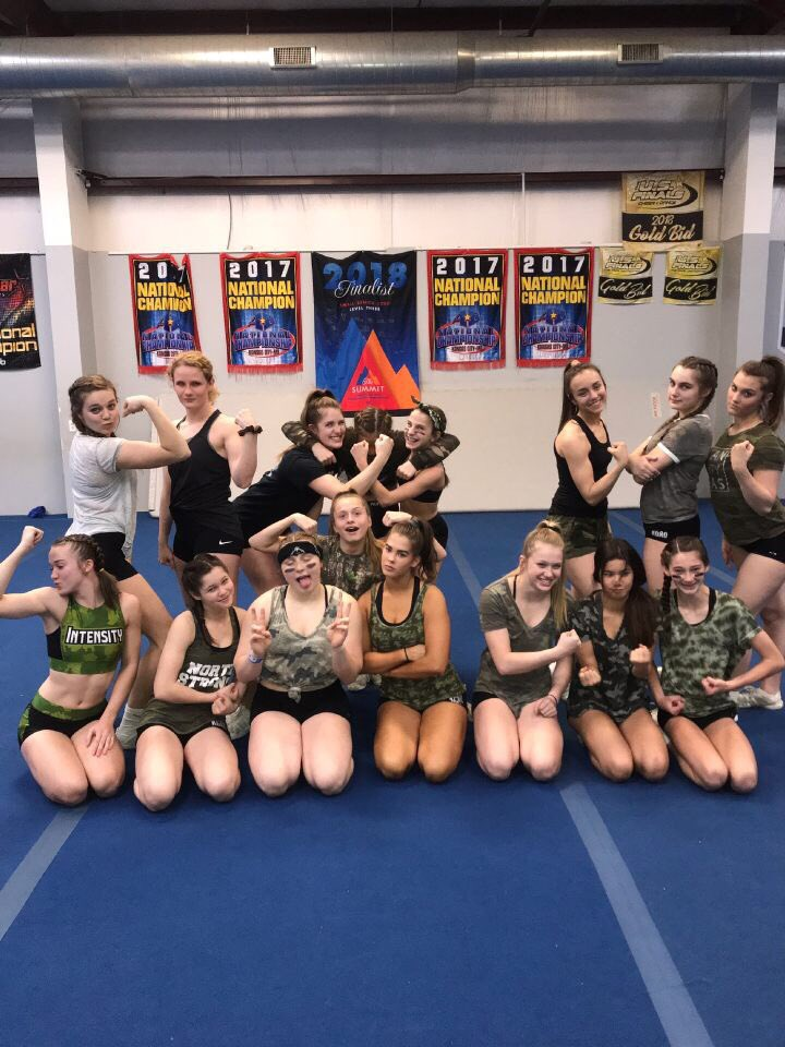 One more practice till WRLDS! Platinum Ladies are ready for war! #worldspractice3<br>http://pic.twitter.com/c71o9TzU4T