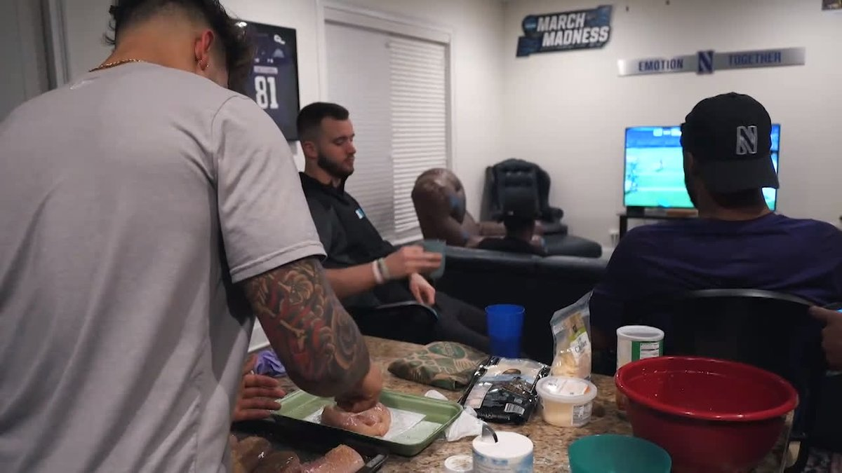 It's almost lunchtime.   Hungry?  Well, this recent @NUFBFamily gathering is about to make you hungrier.