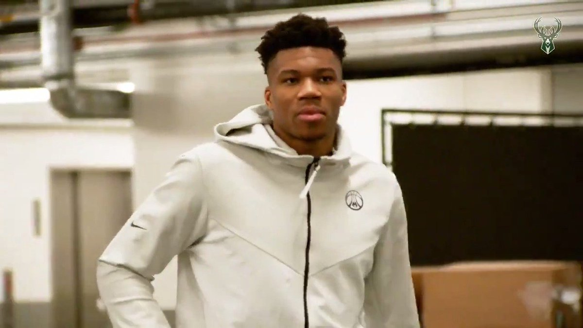 RT @Bucks: Game 4 tonight.  7pm/ct on @fswisconsin and @NBAonTNT!!  #FearTheDeer | #NBAPlayoffs https://t.co/YnitgyZDY6
