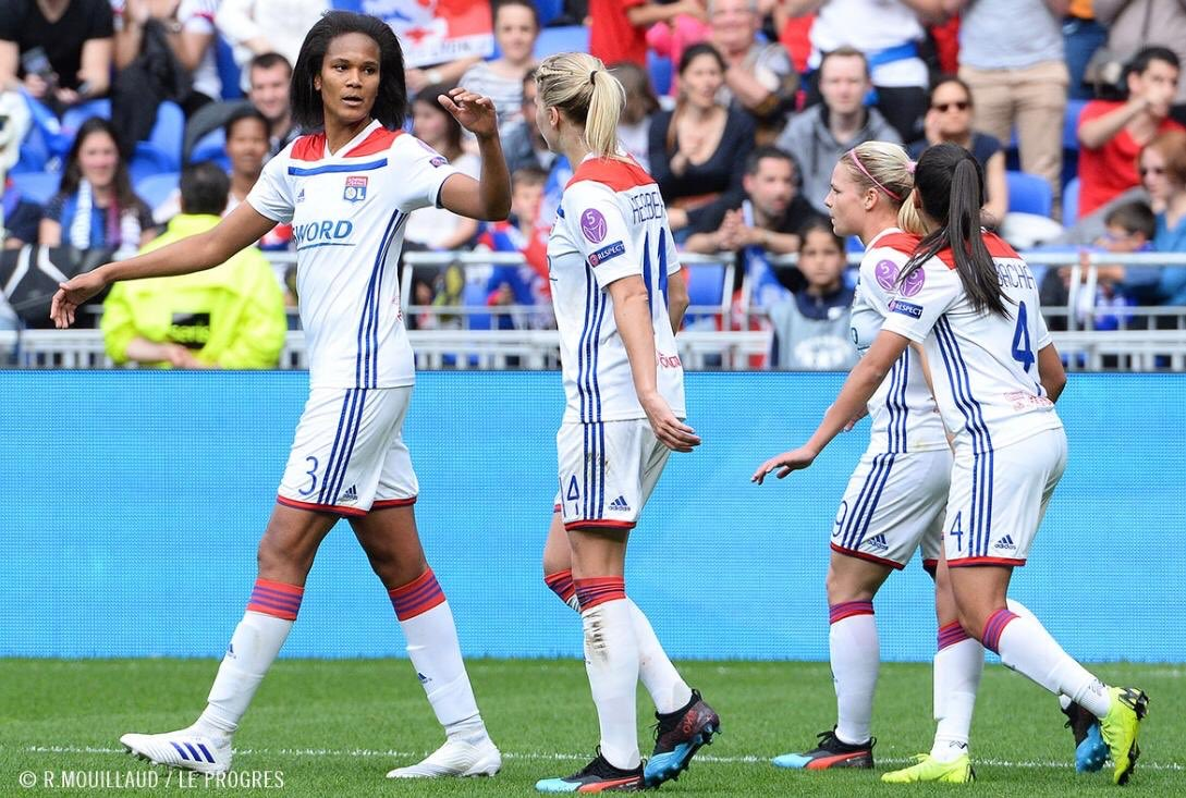 🔜🏆 Première mi-temps terminée   End of the first half. The fight is not over and will continue on sunday ! 🔥💪🏼 #TeamOL #WR3
