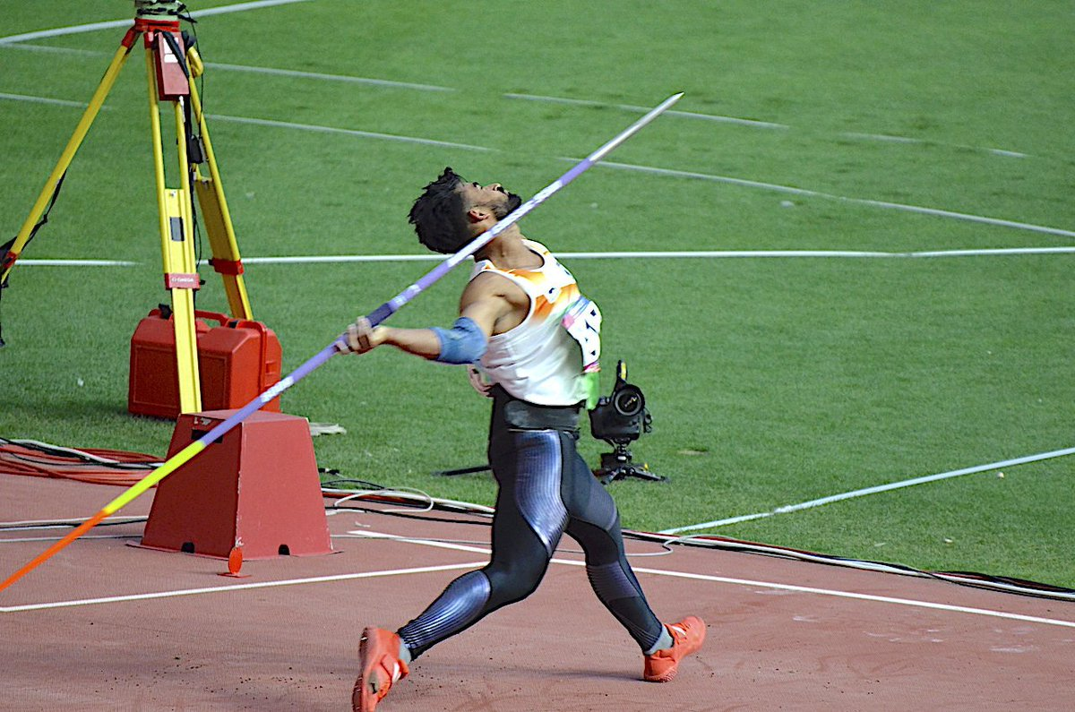 Shivpal Singh wins Silver medal in the Men's Javelin Throw with a personal best throw of 86.23, With that performance shivpal has qualified for the world championship 2019. 📸 @g_rajaraman . . . #indianathletes #teamindia #shivpalSingh #trackandfield #athletics #javelinthrow