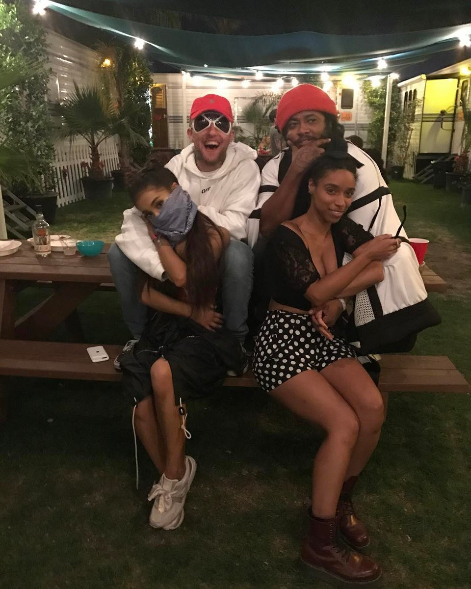 Ariana at Coachella 2 years ago today (22nd April 2017)<br>http://pic.twitter.com/8ZpAwiKbA7