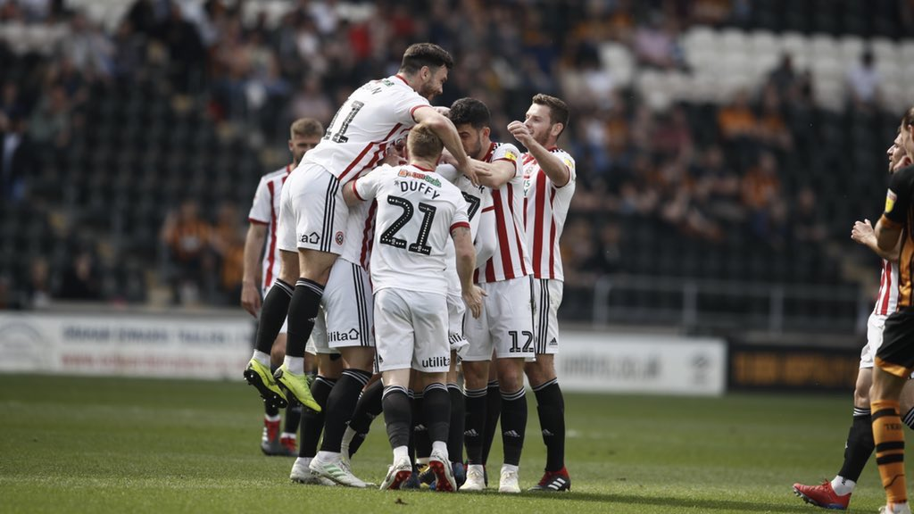 Leeds were 3 pts clear of Sheffield United going into the Easter weekend  Leeds lost both games, Sheffield United won both games  Sheffield United are now 3 pts clear of Leeds going into the last two games of the season.  Best Easter comeback since Jesus  #sufc #twitterblades<br>http://pic.twitter.com/Jqgp04wqGv
