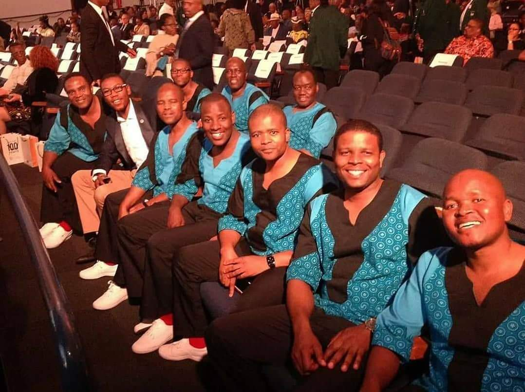 No need for special occasion to celebrate those who&#39;ve put our country in the world map, and who continue to be great ambassadors for our beloved nation . Today I choose to celebrate @therealmambazo for the success they have amassed, 6 #GRAMMYs later and still going strong!  <br>http://pic.twitter.com/UzJLjL5L1l