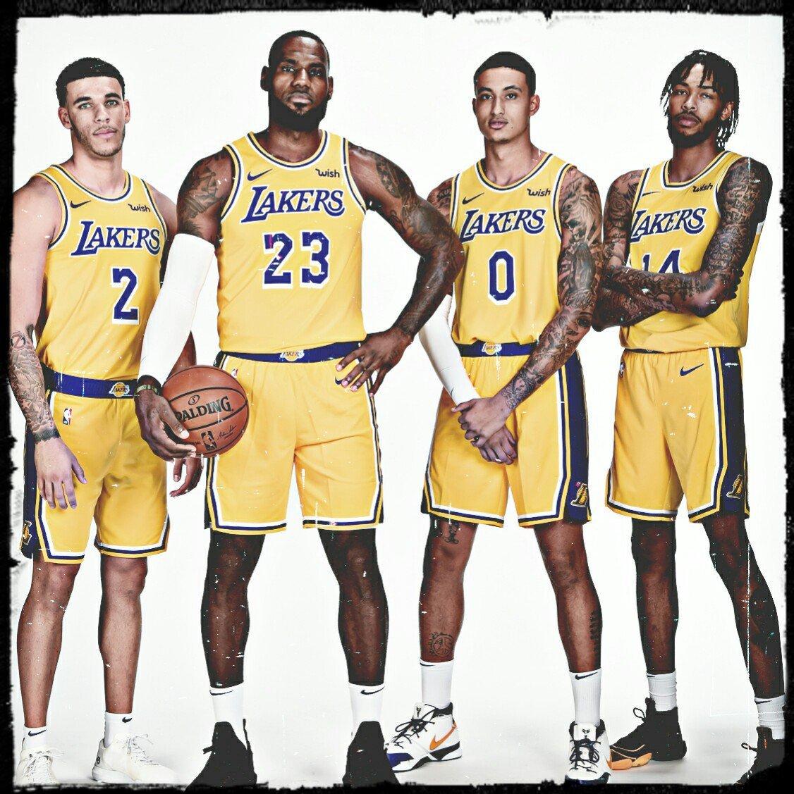Los Angeles #Lakers 🏀 2018/19 season stat leaders  Points: #LeBronJames 27.4 Rebounds: LeBron James 8.5 Assists: LeBron James 8.3 Steals: #LonzoBall 1.5 Blocks: #JaValeMcGee 2 Assisttoturnover ratio: #RajonRondo 2.9