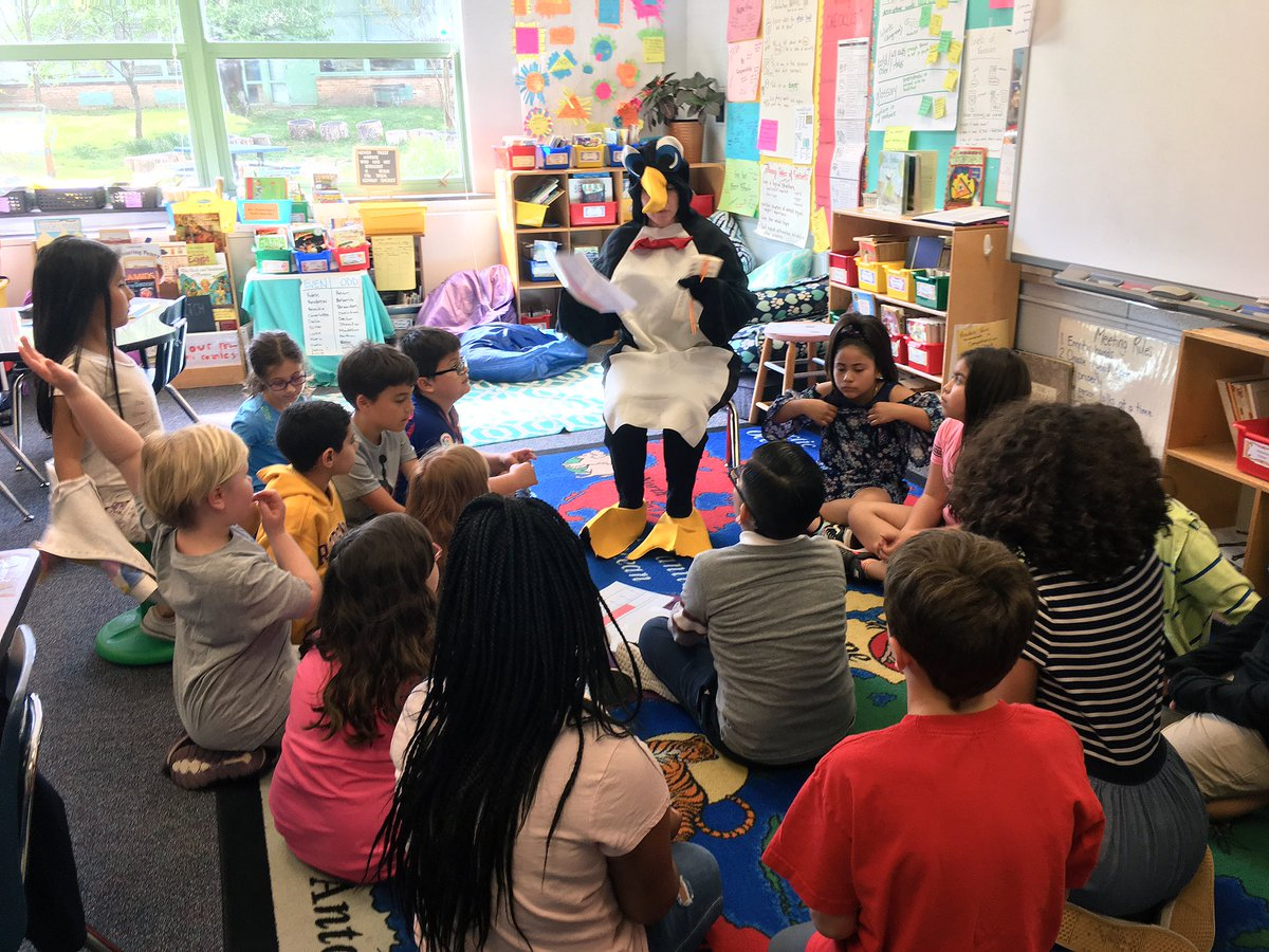 The Puzzled Penguin came to get some tips on how to read a thermometer correctly. Luckily these mathematicians were here to help! <a target='_blank' href='http://twitter.com/CampbellAPS'>@CampbellAPS</a> <a target='_blank' href='http://twitter.com/CampbellCounts'>@CampbellCounts</a> <a target='_blank' href='http://twitter.com/APSMath'>@APSMath</a> <a target='_blank' href='https://t.co/jb83uCVvjU'>https://t.co/jb83uCVvjU</a>