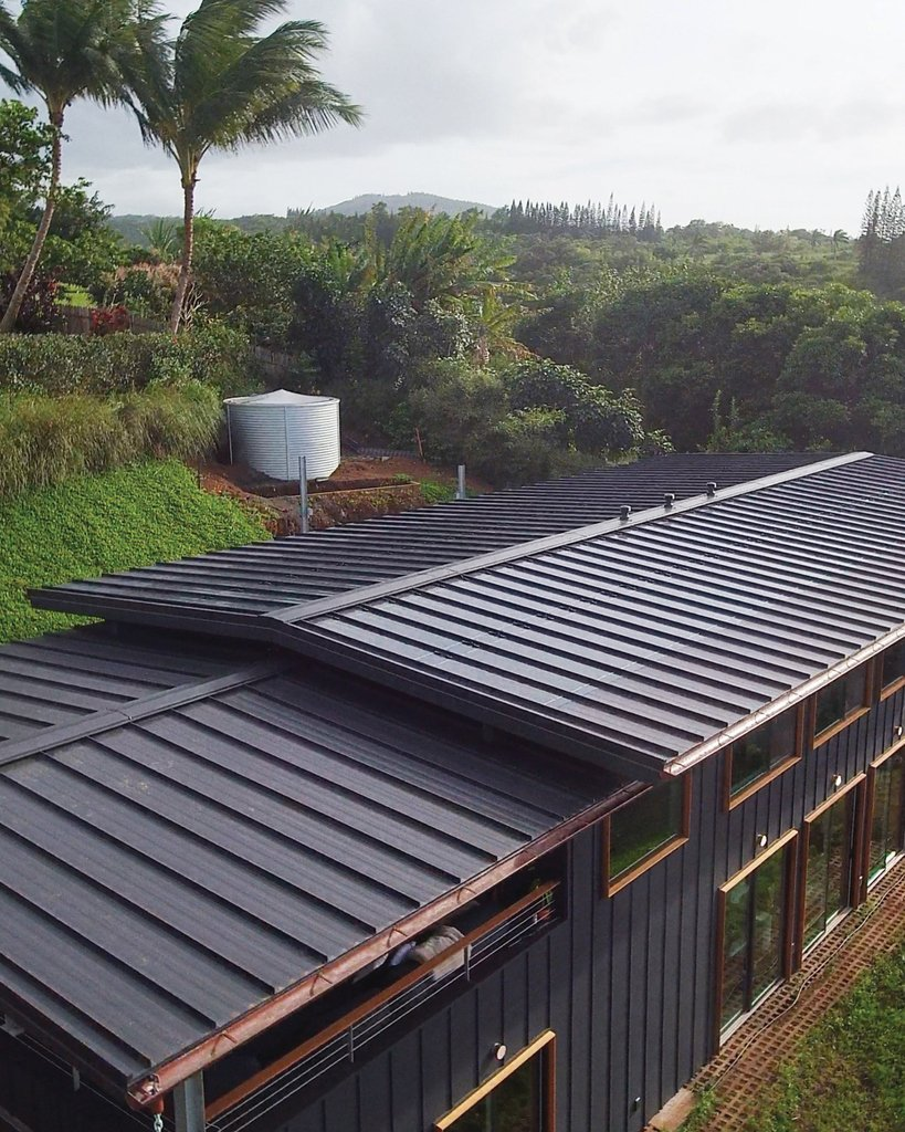 Sunflare solar invisible but invincible on Life Edited house on the island of Maui, in Hawaii.  #Maui #hawaii #aloha #sun #sunlight #modernarchitecture #lifeedited #Mauihouse #roof #rooftop #Sunflare #thinfilm #Solarpower #renewable #cleanenergy #energy