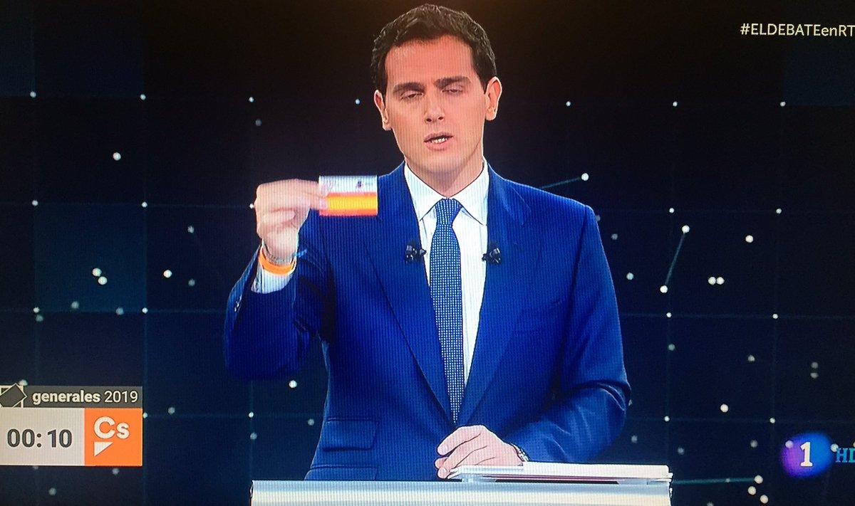 ¿Oyen eso? Es el silencio de un partido que su argumento únicamente se sostiene con el tema de CATALUNYA.  Desnudando a Ciudagramos.  #ELDEBATEenRTVE #Ciudadanos #Rivera #28A #DebateRTVE #Debate #DebateTVE