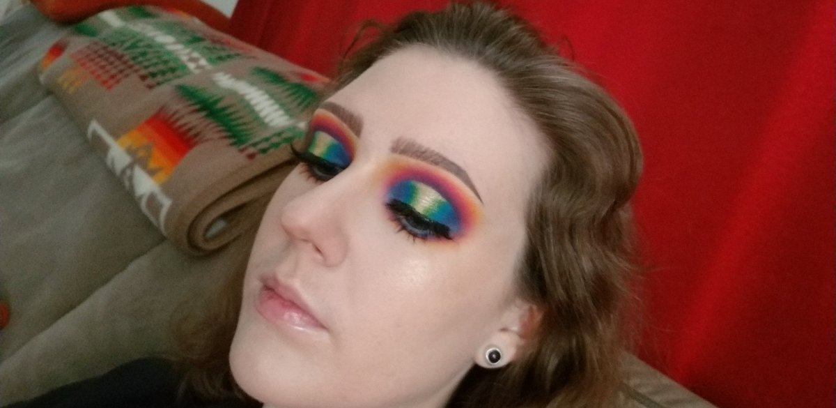 You know what this is?...Growth. First photo is from Feb. other three are from today. Thanks again to @dumbmakeup1 for being so creative and sharing her tutorials so I could recreate this look I had a shit day and needed to destress so why not practice my blending? <br>http://pic.twitter.com/GxKHlKnCzr