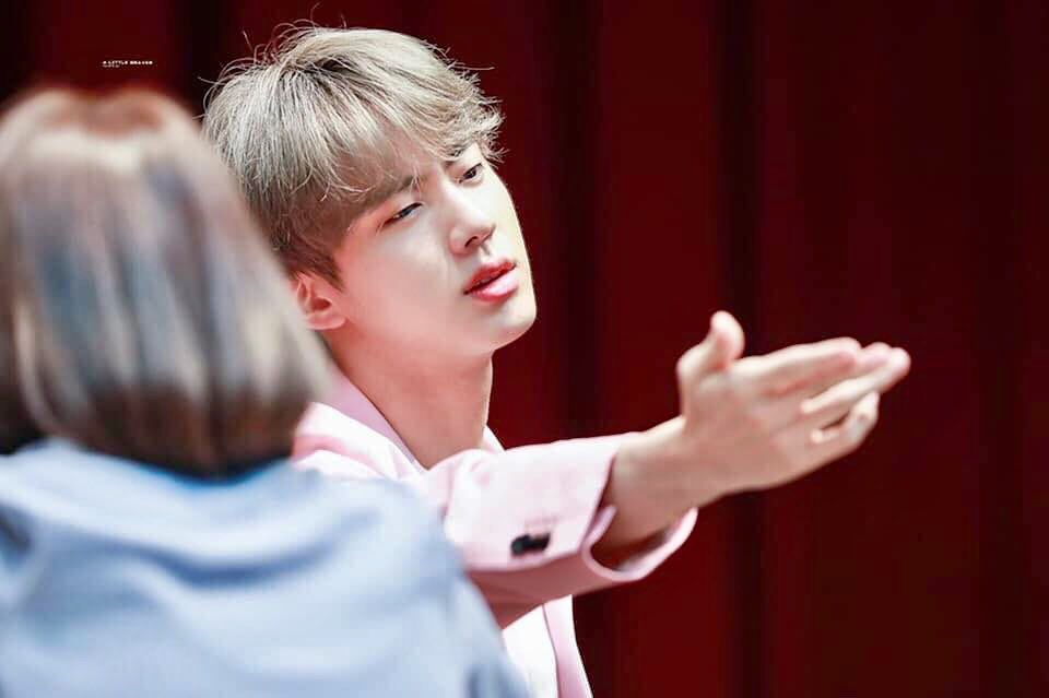 Vote for Jin and Jin will send u a  kiss.                   #BBMAsTopSocial BTS @BTS_twt<br>http://pic.twitter.com/Y5rVKbTYsa