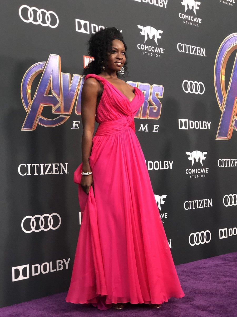 .@DanaiGurira lights up the red carpet. #Okoye #AvengersEndgame