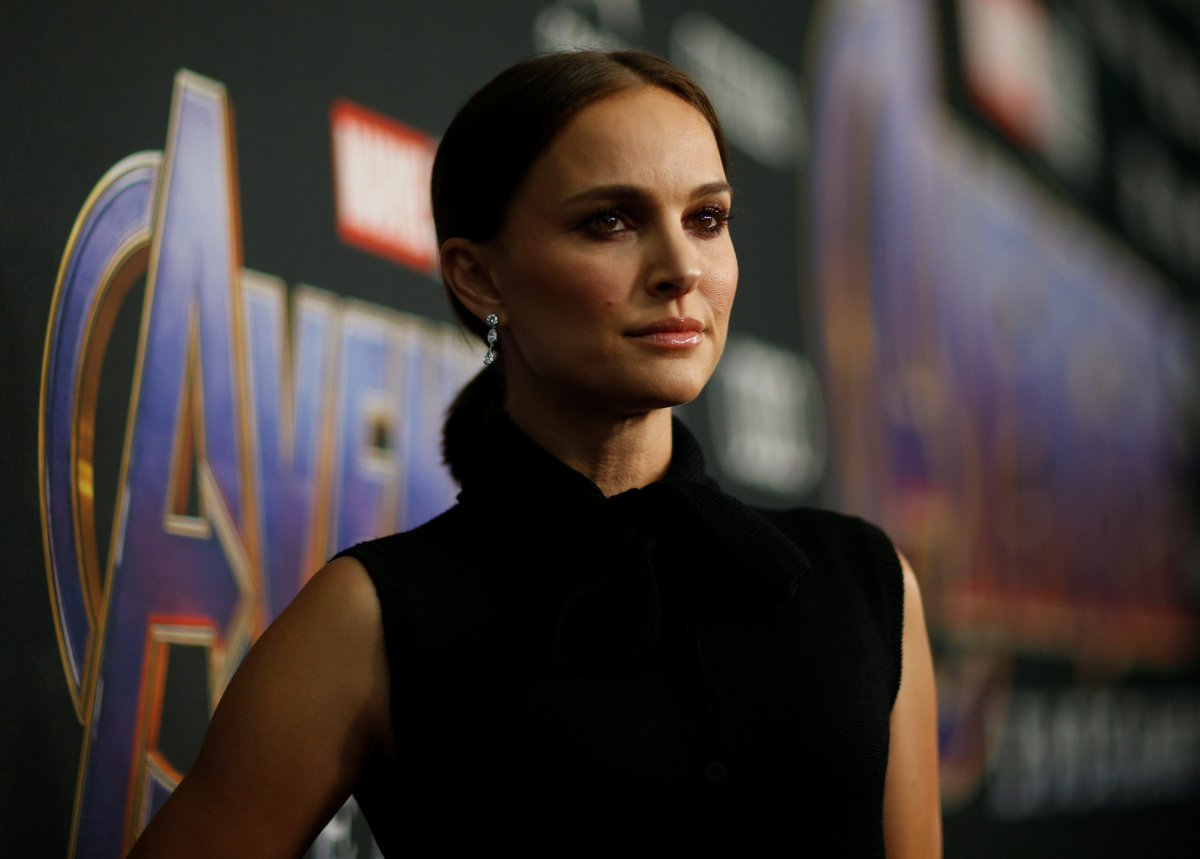 RT @thekareem: Natalie Portman is at the #AvengersEndgame premiere!? Please tell me they bring Dr. Jane Foster back. https://t.co/2YQcdHphnq
