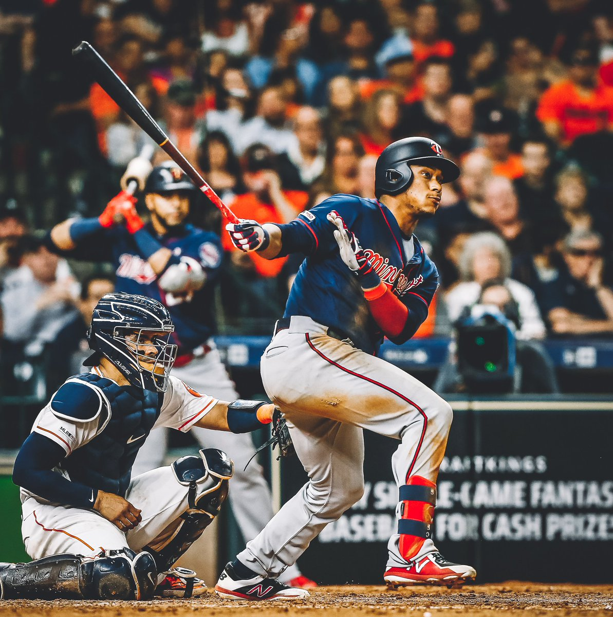 When you want to keep pace among the AL leaders in batting average, you do this at the plate:   4-for-5 4 RBI 2 runs 2B, HR  #TwinsWin #MNTwins  <br>http://pic.twitter.com/ewKxxDliyt