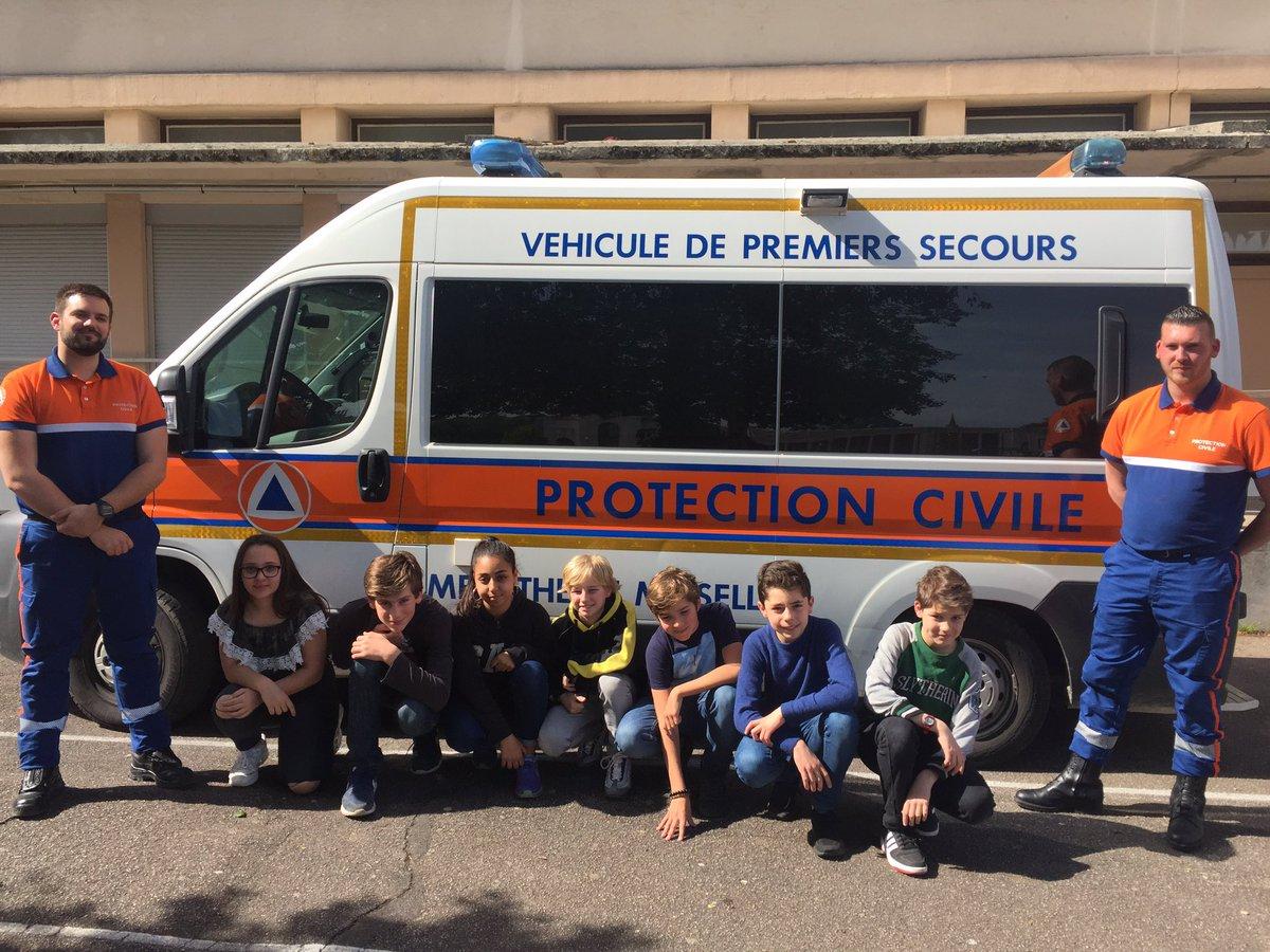 Les cadets de la #SécuritéCivile de la cité scolaire Chopin à @VilledeNancy découvrent un des acteurs  @SecCivileFrance que sont les  #AASC .Présentation par @Protec54 des missions lors de #DPS, de l'engagement bénévole pour le soutien aux populations, formation #GestesQuiSauvent