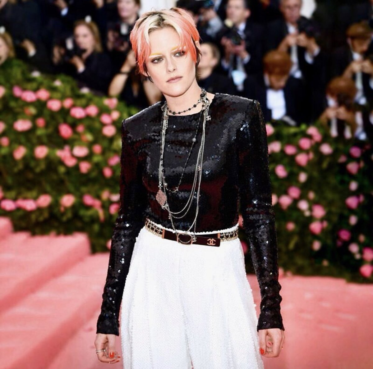 """House ambassador Kristen Stewart chose an entirely sequinned look from the #CHANELFallWinter 2019/20 collection to attend this year's #MetGala, the Costume Institute's annual benefit in New York. #CHANEL #KristenStewart""   via ig: chanelofficial  #MetGala"