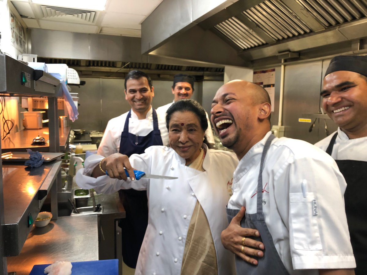 Too many cooks spoil the broth 😂 Cooking up a storm in Asha's Restaurant, Manchester, 🇬🇧