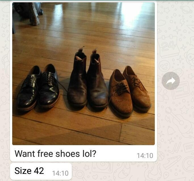 rt to win a free pair of shoes worn by the swede man himself https://t.co/QhWlDxJ6jY