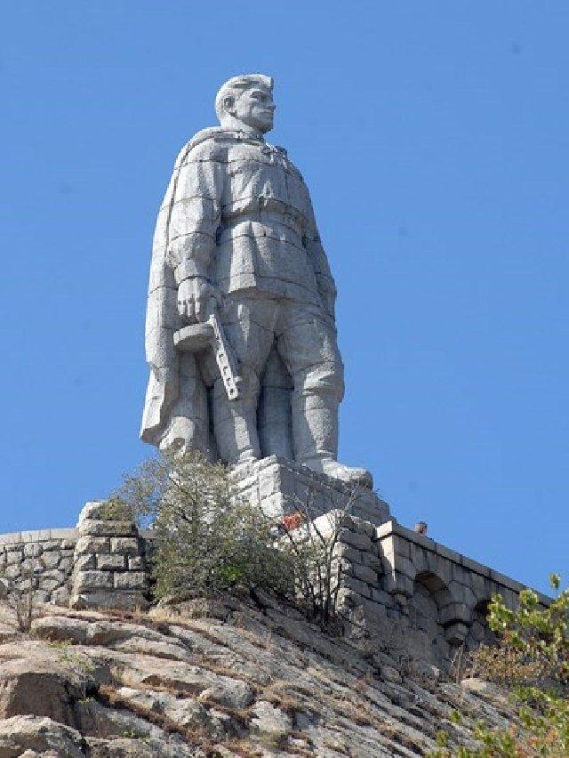 памятник алеше в болгарии фото крупным планом возникновения, симптоматика лечение