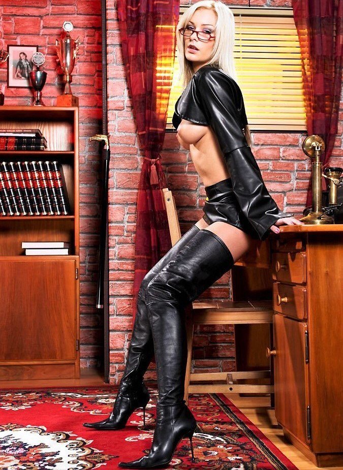 Babes in boots galleries, dirty milf club free gallery