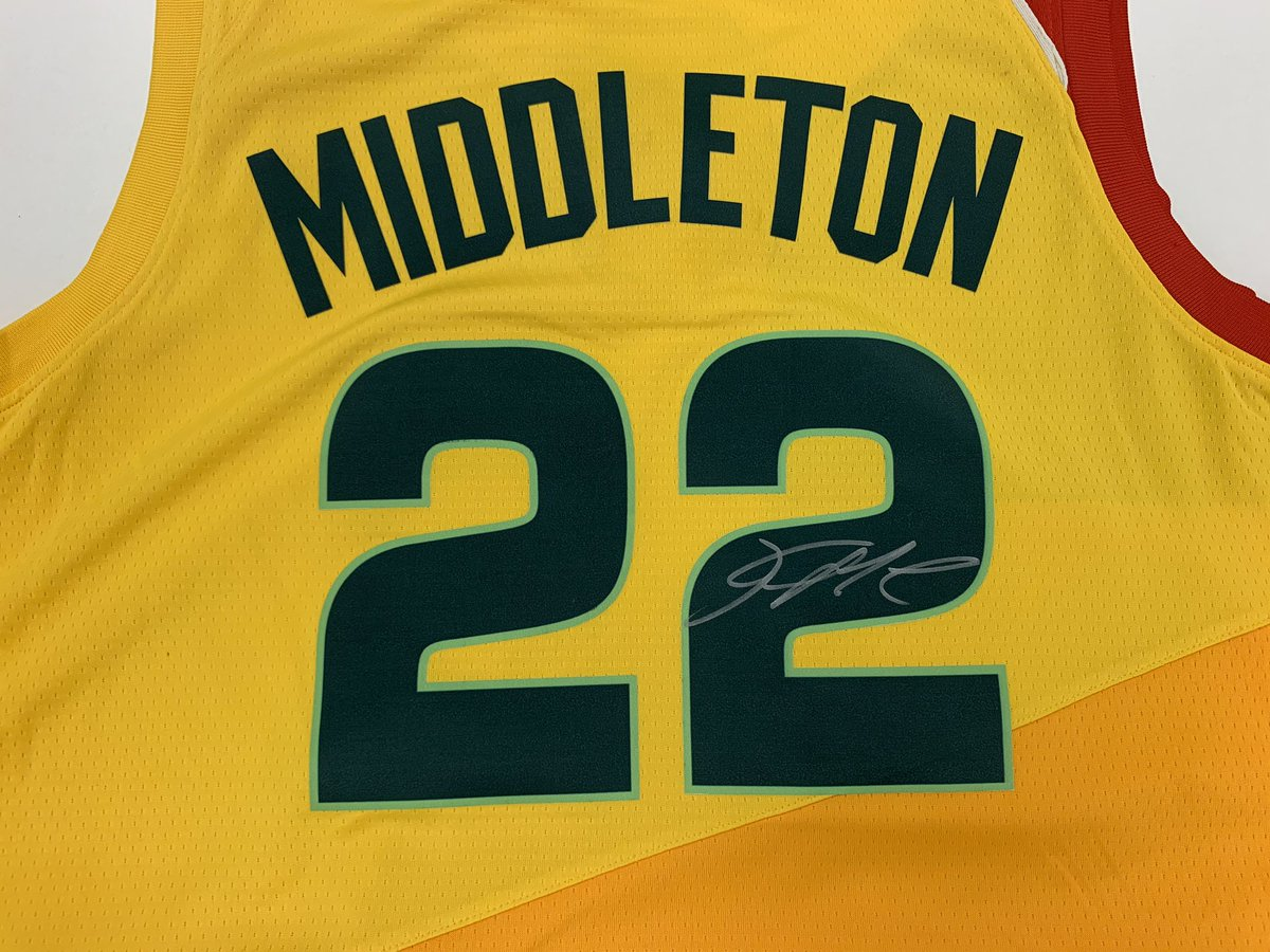 ✍🏾🎽  Want to win a SIGNED @Khris22m City Jersey!?!  RT today to vote #KhrisMiddleton for the #NBACommunityAssist Award and be entered!!