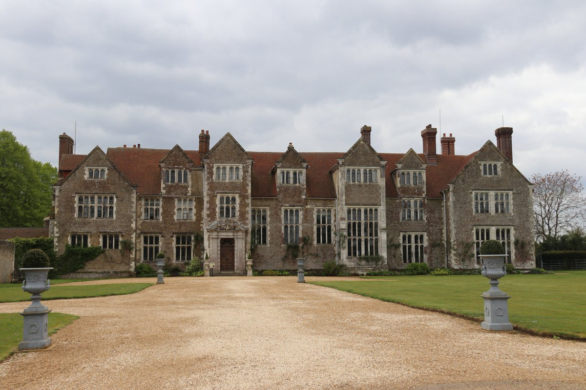RT @JanNewsom An interesting day spent at #Loseley House & Gardens even though it was chilly and overcast. @LoseleyPark