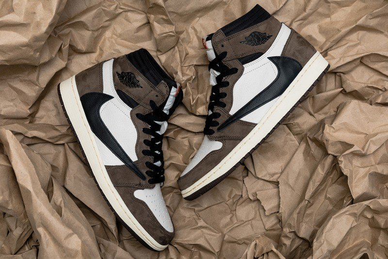 72016f05491 ... anticipated Travis Scott x Air Jordan 1 at 306 Yonge via a raffle. Head  down between 10am to 9pm (on either day) to enter!pic.twitter.com 8BuLyked9J