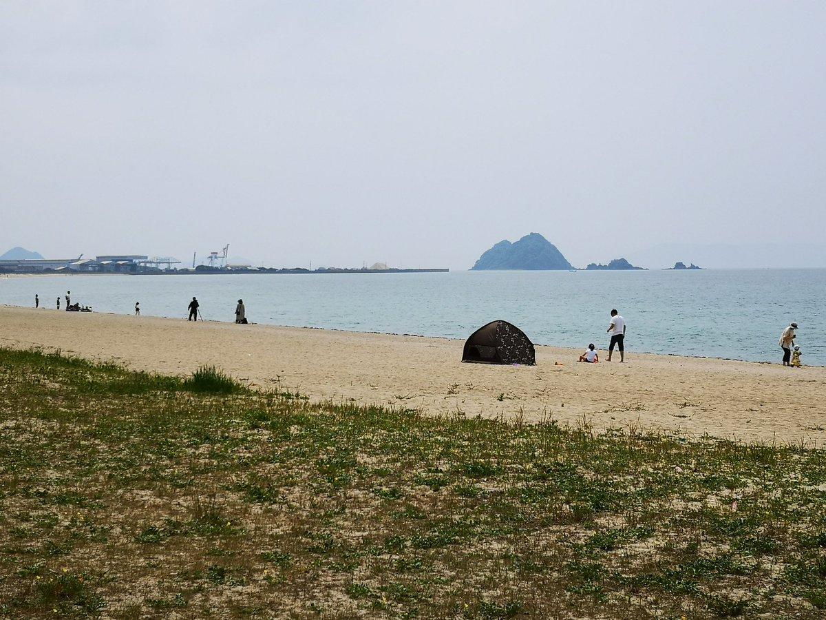 かんちゃんお勧めの虹ヶ浜。 当然といえば当然ですが、鯉のぼりはいませんでした。これから愛媛に帰ります。楽しい3日間ありがとう!むぎちゃんまたね! https://t.co/lG9RlIoTll
