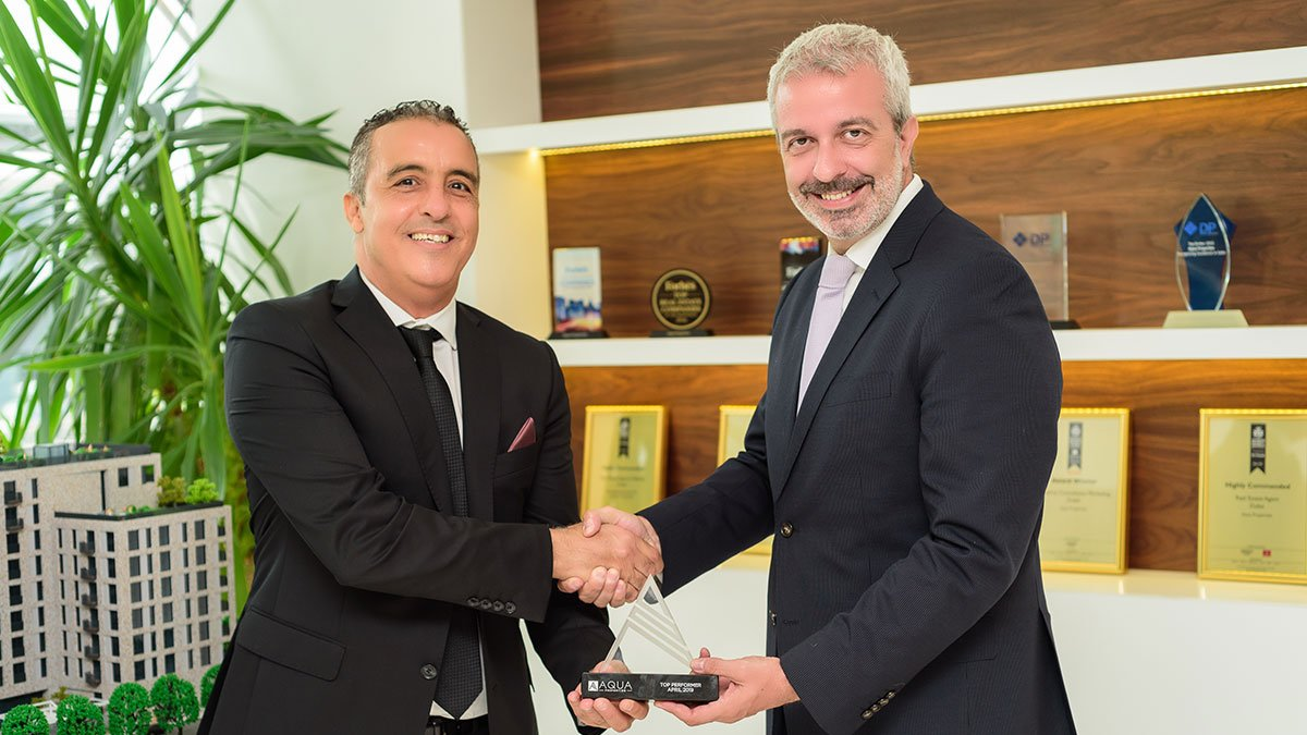 Congratulations to our well-versed Dubai Marina Specialist, Mustapha Majdi for being awarded Broker of the Month.  #AquaProperties #RealEstate #BrokersMonday #DubaiMarina #DubaiCareer #DubaiRecruitment https://t.co/T0oG4xNkov