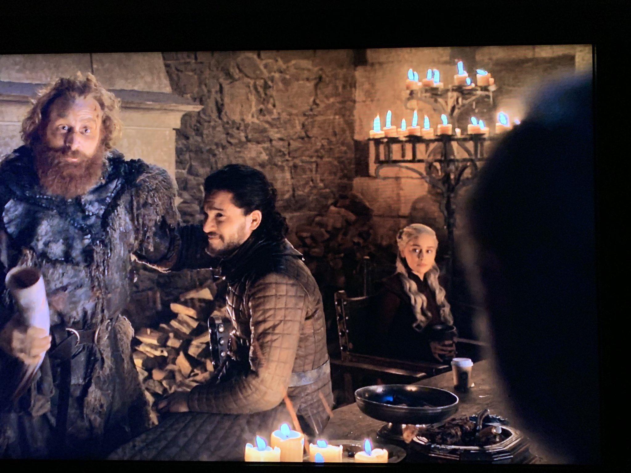 Стаканчик кофе в игре престолов фото