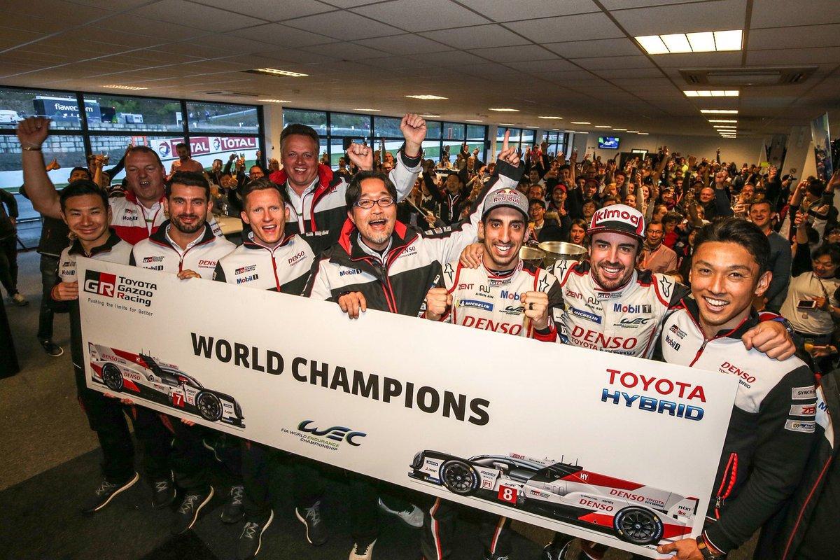Las carreras de resistencia definen el trabajo en equipo de este deporte. Nuestro coche TS050 híbrido nos ha dado unas prestaciones increíbles. Enhorabuena a todo el equipo Toyota por el Campeonato del Mundo de marcas. Muy orgulloso 🙏 @Toyota_Hybrid @Toyota_Esp @toyota_europe