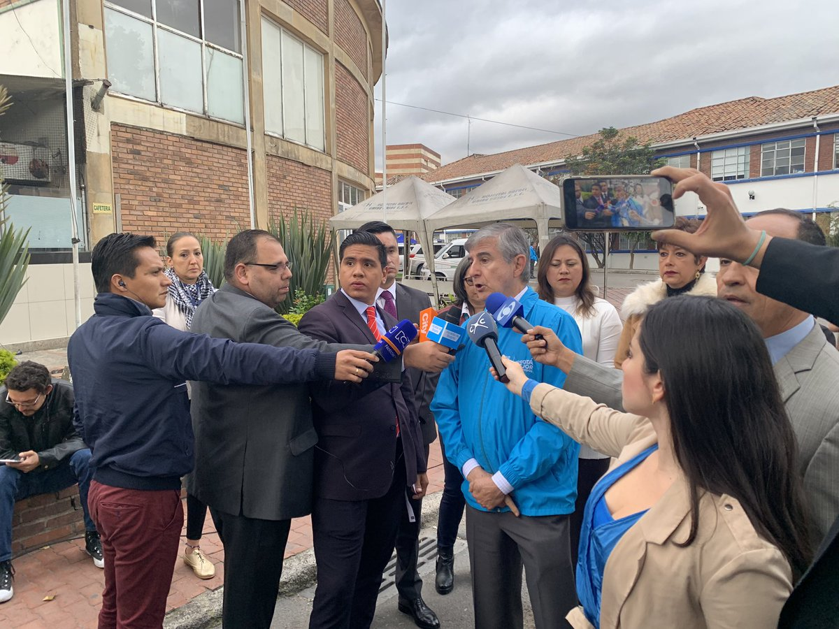 A esta hora el Secretario de Salud habla de la inspección realizada en los hospitales de Bogotá y hace un llamado para garantizar la atención a los afiliados de la EPS Medimas.