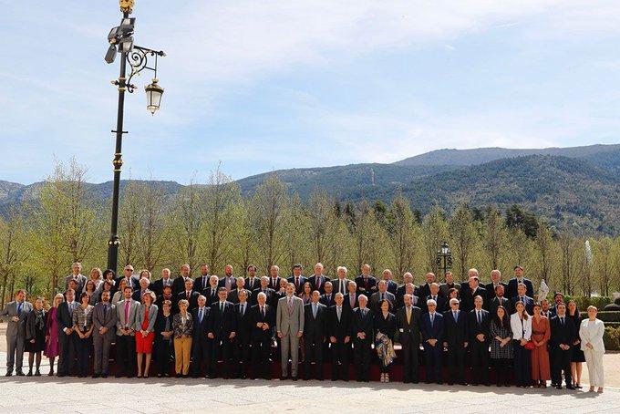 Foto de familia de la reunión del Consejo Científico del Real Instituto Elcano 2019. © Casa de S.M. el Rey