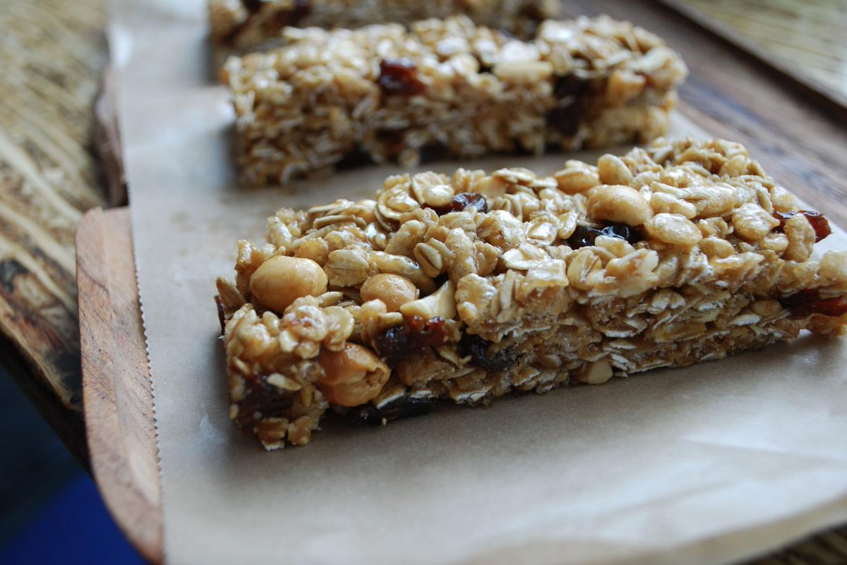 Top of the morning to ya! Power snack with a breakfast bar made with real honey and peanut butter!