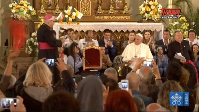 El Papa, con la comunidad católica búlgara
