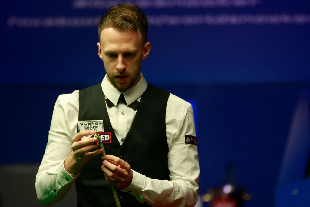 Judd Trump remains in control with another century.He opens up 16-9 lead over John Higgins in the World Championship final.Needs just two more for his maiden title in Sheffield.The match concludes from 19:00 BST.#bbcsnooker