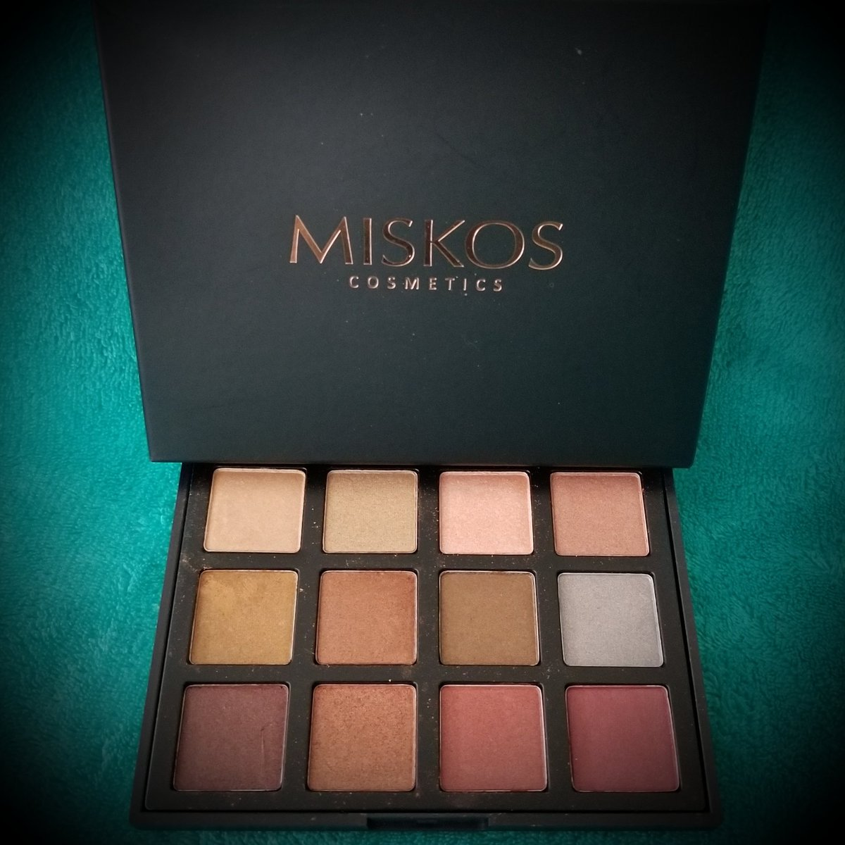 MISKOS 12 Color All Shimmer Warm Winter Eyeshadow Palette - Great eyeshadow palette w/12 glimmer shadows. Warm colors great for any occasion. Great pigmented colors w/staying power. Order now & get 10% off using code: 129FFKOS #DiscountedForReview #MISKOS http://www.amazon.com/gp/product/B0748G8N9R…