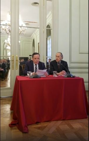 Press conference of Mr.@Jhinaoui_MAE at the #Foreign_Service_Institute in #Buenos_Aires. Watch live @:https://www.facebook.com/429476990956079/videos/2261877474030041… #Tunisia #Argentina #Tunis #Diplomacy #Africa #Latin_America pic.twitter.com/944YzM1X75