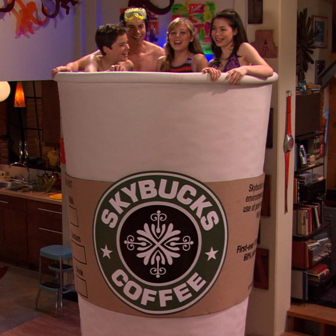 Nickelodeon On Twitter Oops We Left A Coffee Cup In This Icarly Scene We Hoped None Of You Would Notice
