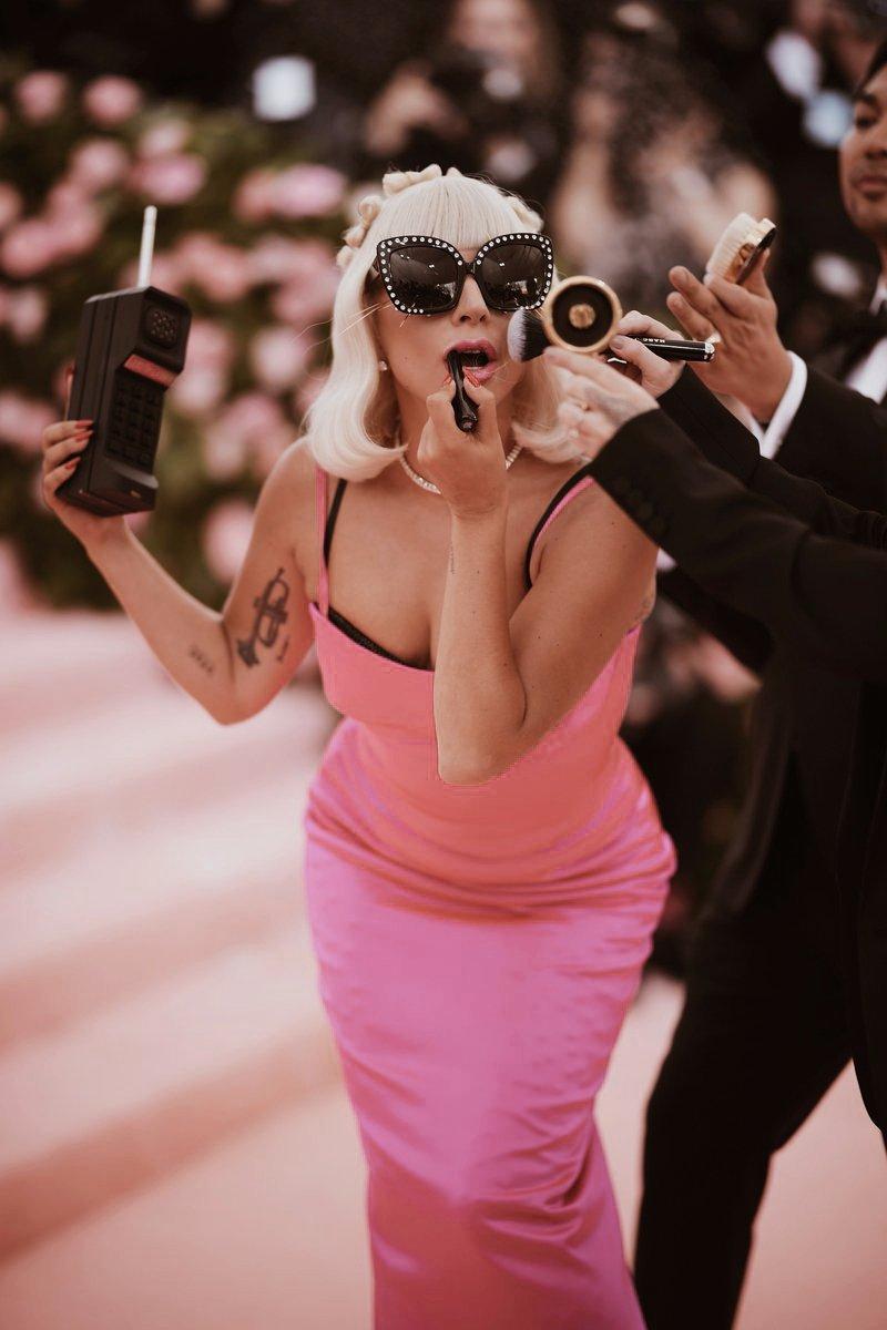 8 - Lady Gaga - Σελίδα 45 D56oWFuUcAAUWnV?format=jpg&name=large