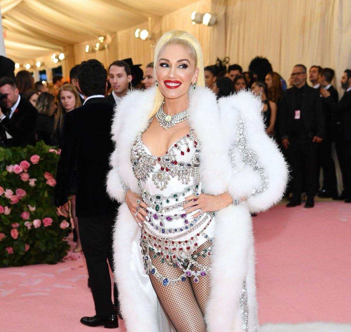 "Gwen Stefani >> single ""Let Me Reintroduce Myself"" - Página 5 D57FlYOUwAAifda"