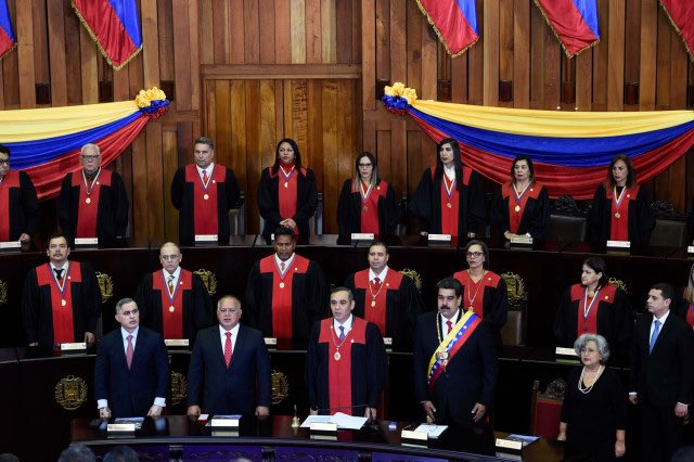 .@TSJ_Venezuela has become tool for #MaduroRegime to bureaucratize repression & violate #Venezuela's constitution  Only 8 of its 32 members are sanctioned by @USTreasury & @StateDept  It's time the remaining 24 members are sanctioned & have their & their families visas revoked https://t.co/Zfbz07DeU6