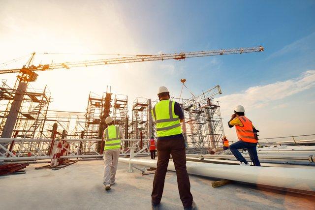 ◆建設業界で40代からの就職が有利になる資格16選を徹底解説!☆40代からの仕事探しは「FROM40」&「FROM40ネオ」☆#40代 #建設 #建築 #土木 #就職 #資格 @FROM40jp