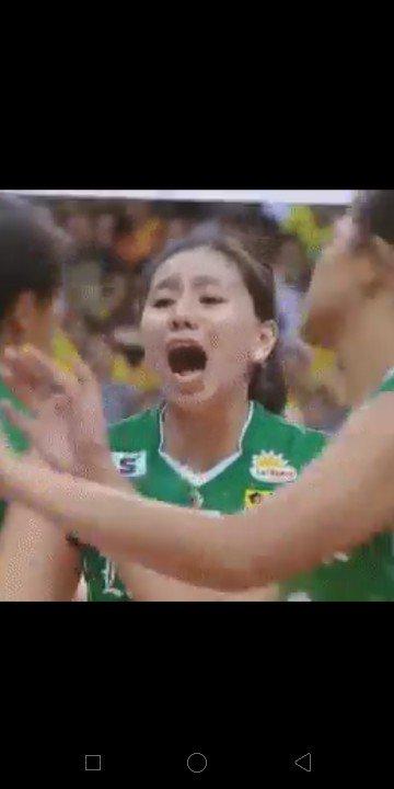 Sino kaya susuportahan ng #FieryGreenFlame   Ang #FEU na nagdala sa kanila sa playoff? O ang #ADMU na kinaiinisan nila?  #UAAPSeason81Volleyball